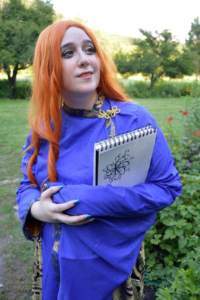 Shallan in the garden