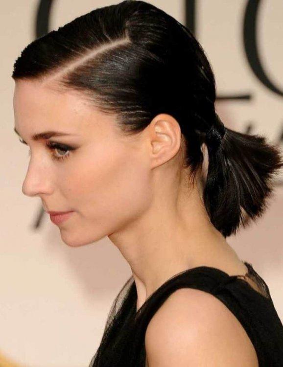 Simple-Ponytail-Hairstyles-for-Short-Hair.thumb.jpg.337bc55cc7fe7d0311c96c74ca861b14.jpg